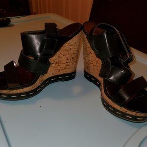 Charles By Charles David wedge sandal,size 6,Black